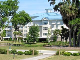 Luxurious Waterfront Condo/ Hilton Head Island SC