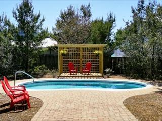 BEAUTIFUL BEACHHOUSE WITH PRIVATE POOL! OPEN 6/1-8! ONLY $2800 TOTAL! CALL!