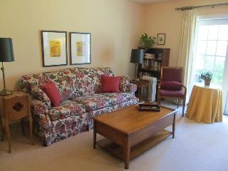 1-bedroom apt. in lovely West Portal neighborhood