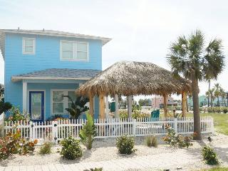 Hula Hut, Sleeps 10, Pool, Close to the Beach