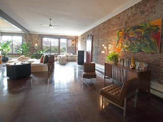 HUGE 5 Br Loft Event/ Group Rental