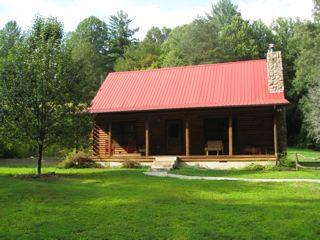 Deep Creek Log Cabin easy access at GSMNP entrance