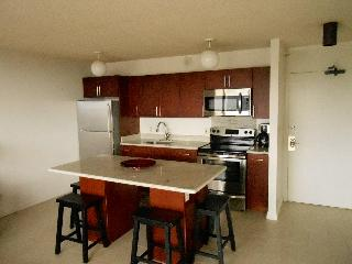1BR LRG Contemporary, Great Views! Pool, WB2701