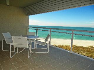LBK Updated beachfront condo at Inn on the Beach (4-605/06)