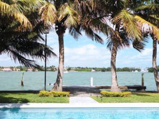 Eden House waterfront villa open bay  Miami Beach