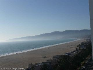 Santa Monica Dream Holiday