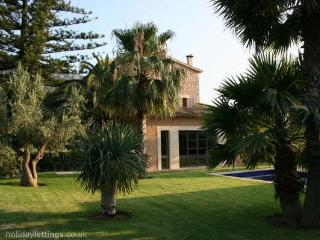 Stunning villa in Biniaraix
