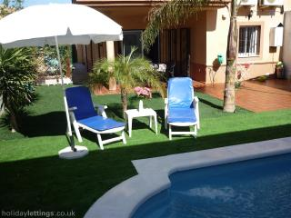 VillaSol with Pool- Seville