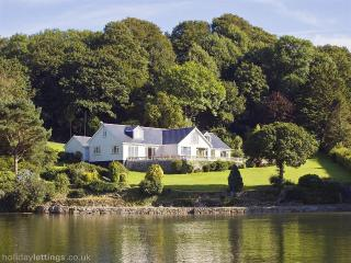 The Helford Waterfront Villa