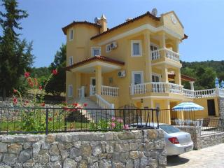 Family Holiday Villa Latona