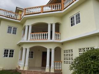 Jamholidays Vacation Home near Ocho Rios