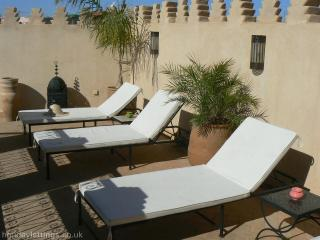 Lovely Riad with pool and WIFI
