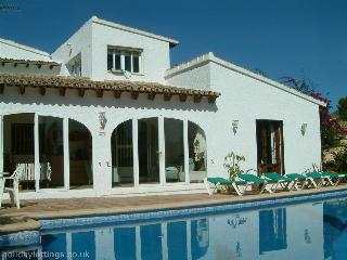 VILLA SUITABLE FOR 2 FAMILIES