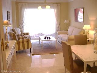 ELVIRIA LUXURY 3 BEDROOM