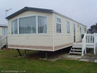 JPL Shorefield Holiday Home