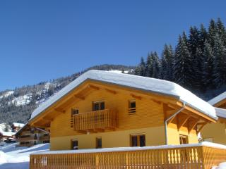 "COTTAGE comfortable relaxation area with SAUNA and Space Games for Kids, located at 600 m of the tracks  ""Portes du Soleil """