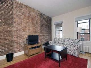 UWS 1-Bedroom  Apartment in Historic Townhouse