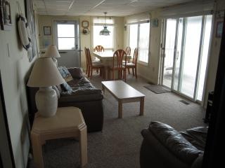 Oceanfront Apt- Brant Beach, Long Beach Island, NJ