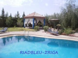 House villa, in exclusive,garden with private pool, without vis-a-vis