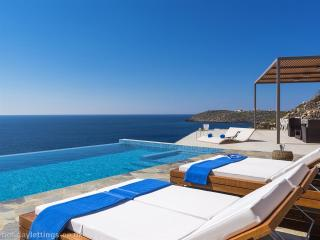 Luxury seafront villa Chania