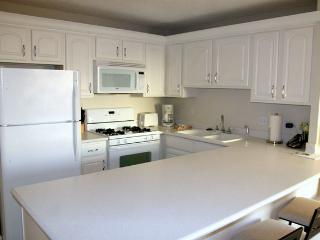 Aloha Towers 1 BR Condo - Day/Wk/Mnth Rates
