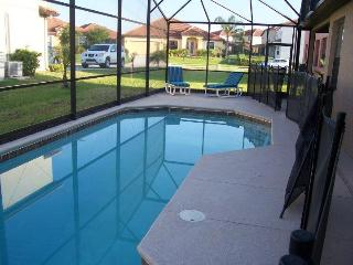 Gorgeous 4BDRM Villa with Private Screened Pool