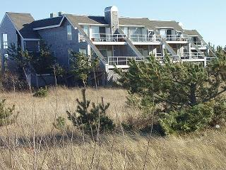 Montauk NY, Navy beach( Roughriders condo)/425ft2