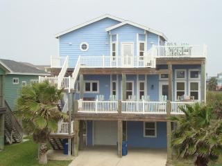 200 Yds from Beach w/ SandPoint Pool/Beach Access!
