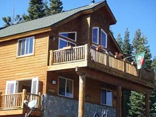 Tahoe Donner 4BR, 3BA with AMAZING VIEW SLEEPS 11!