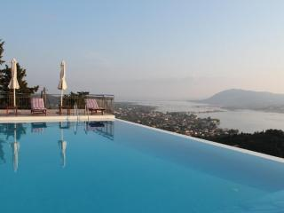 Private 5 bedroom villa with private swimming pool, spectacular views near Lefkada town, near beaches