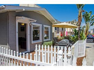 ***Charming Mission Beach COTTAGE***