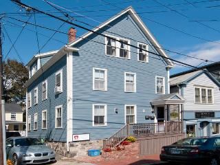 The Nautilus Guest House - Old Town Marblehead