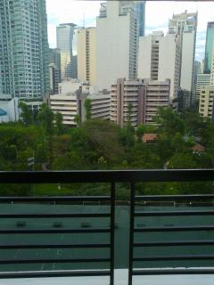 WIFI Best Location in Makati, Great view , balcony