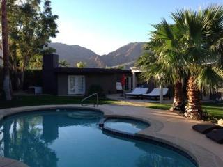 3 bedrooms 2 bath pool home top of la Quinta Cove