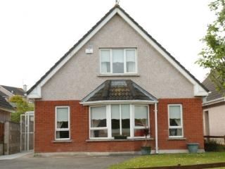 4 bed child friendly holiday home near Arklow.  Sleeps 7. #MES0552601
