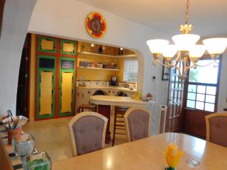 Adorable Beach Home & Roof Top Terrace 3 BR - 3 BA