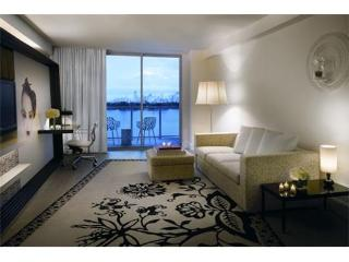 Mondrian 1 Bedroom Bay View Suite