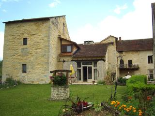2 bedroom gite in chateau lot France