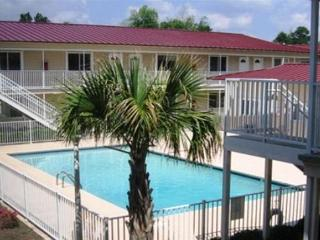 Beautiful 2 Bd/ 1.5 Bth 2 Story Condo Just a Short Walk to the Beach OS-66