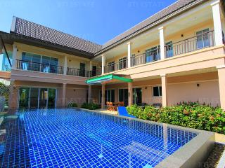Private Paradise 4 Bedroom Luxury Villa With Pool