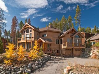 New Ski in-out LuxuryHome, Amazing Views, sleeps16
