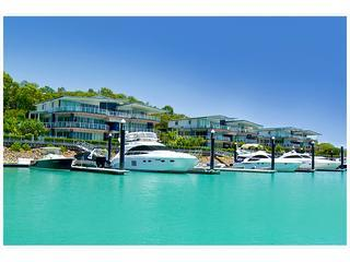 Pavillions 3 Luxury Waterfront Apartment Hamilton Island,