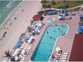 TRUE BEACHFRONT STUDIO W/BALCONY...$$ DEAL $$