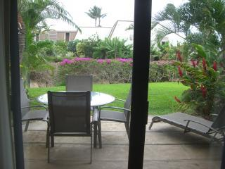 Large Maui Kamaole Condo with Den - GREAT VALUE!!