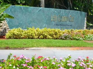 Seasonal/ Lely Golfview Pool Home 3/2 plus den/office, NAPLES, FL