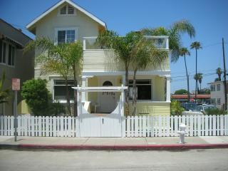 One of a Kind Yellow Beach House !