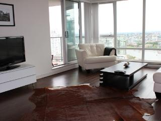 Luxury 2BR+Den in Yaletown!  WEST-2908  Min 30Days