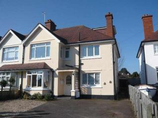 Minehead seaside holiday cottage, 6 Bed, 3 Bath