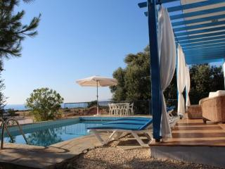3 Bedroom Villa in Paphos with free 4x4 vehicle