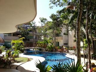 Fantastic New 2/Bd 2/Bath condo minutes away from Tulums amazing beaches!